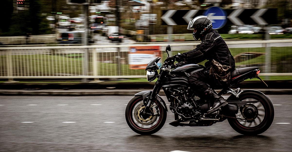 Motorkleding dragen, waarom en is het verplicht?